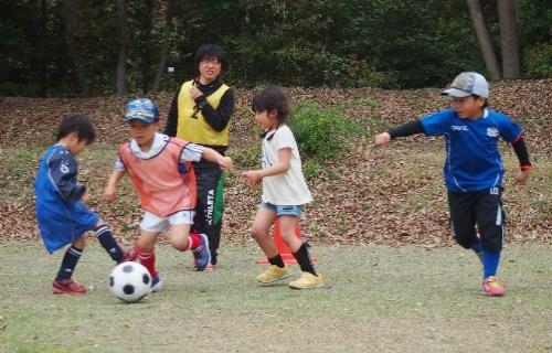 試合に勝ったり、負けたりすることは、子どもたちに大きな刺激となります。必死で頑張っているお子様の様子を是非、ご覧ください!